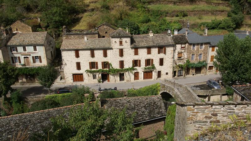 G te brousse le ch teau plus beau village de france - Les plus beaux gites de france ...
