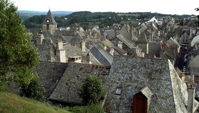 Les toits de Mur de Barrez
